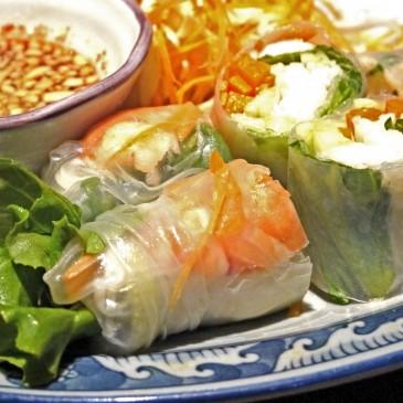 契約農家で作られた新鮮な野菜を使った料理が頂ける、タイ国商務省認定店本格タイ料理とベトナム料理も頂ける『ソムオー』