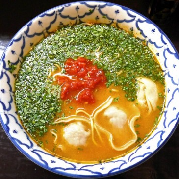 エスニック好きには堪らない!パクチーどっさりのアジアン辛さが楽しめる一杯『づゅる麺 池田』