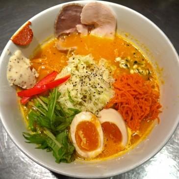 えっ!男俺だけ!? カウンター席が女性で埋まる新感覚の野菜ラーメン『ソラノイロ japanese soup noodle free style』
