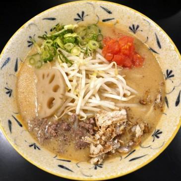新タイプの味噌ラーメン!濃厚牛骨スープに油かすが溶け出し…刻々と変化するスープは超まろやかな一杯に『みそ味専門 マタドール』
