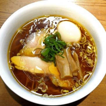上品な淡麗系な一杯!丸鶏の魅力が凝縮されたスープは現在も日々進化中『ラーメン屋 トイ・ボックス』