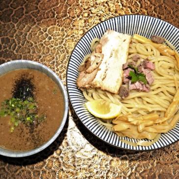 斬新!子羊のゲンコツをベースに使用したラムと豚骨のダブルスープの一杯『MENSHO TOKYO』