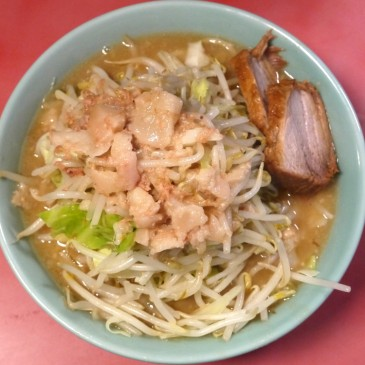一度では理解できない三度通えばハマる食べ物ジロリアンへの道 第八弾『ラーメン二郎 歌舞伎町店』