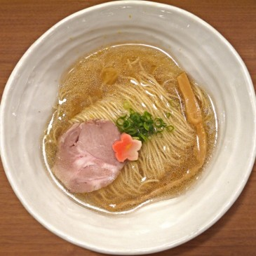 スープは鯛100%!宇和島産の朝締めのアラを使用した上品な塩ラーメン『鯛塩そば 灯花』